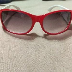 Red skull sunglasses